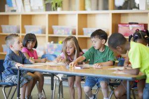 Pripreme za školu: Šta djeca uče u vrtiću?