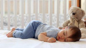 Osam čestih pitanja o bebinom spavanju i odgovori stručnjaka