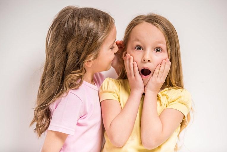 Stručnjaci savjetuju kako spriječiti naviku tračanja kod djece