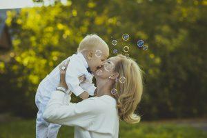 13 znakova da vas dijete voli