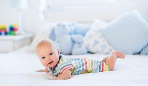 Spavanje bebe na trbuhu – da ili ne?