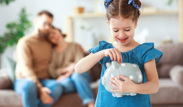 Kupi mi sve! Kako s djecom razgovarati o novcu?