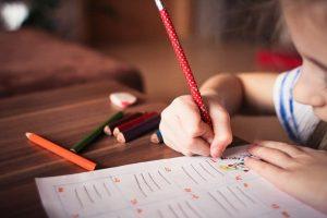 Kada je pravo vrijeme da dijete nauči pisati?