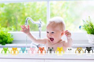 Kako očistiti bebine igračke za kupanje