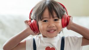 Kako zaštititi dječje uši od štetnih posljedica upotrebe slušalica?