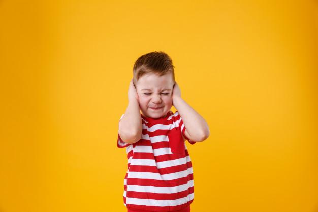 Upala uha kod djece: kako je prepoznati i pravilno reagirati