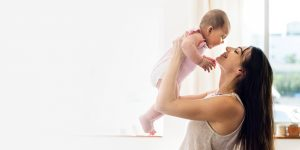 Crijevni grčevi kod beba!? Kako pomoći?